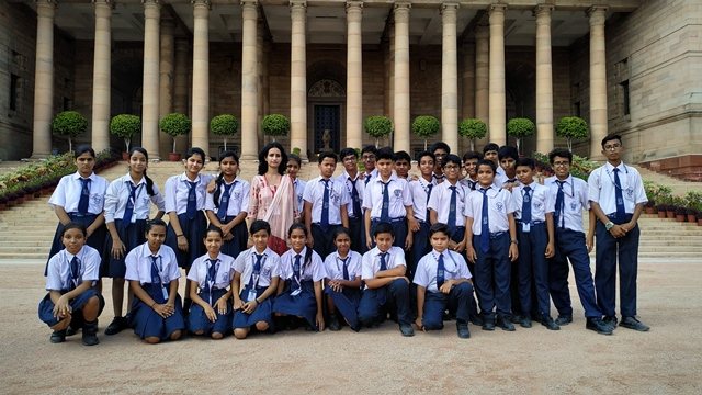 Visit to Rashtrapati Bhawan- Students of class 7 visited Rashtrapati Bhawan on 26/09/2019 as a part of experiential learning.